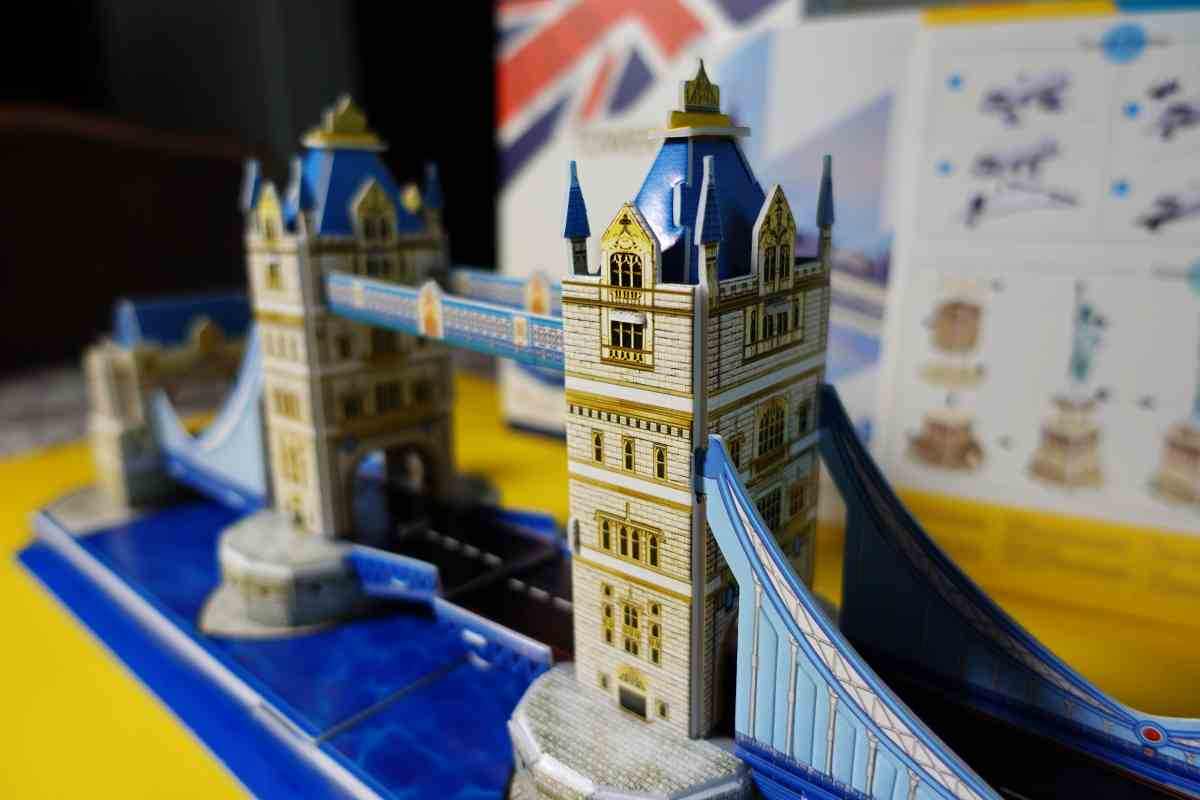 3D Puzzle Tower Bridge fertig gepuzzelt